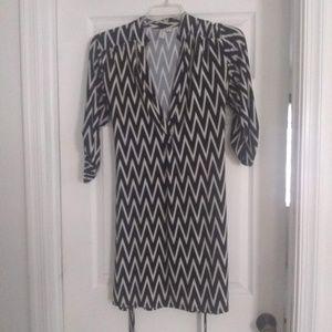 Tacera Dresses - Mid-Sleeve V-Neck Buttoned Dress with Belt